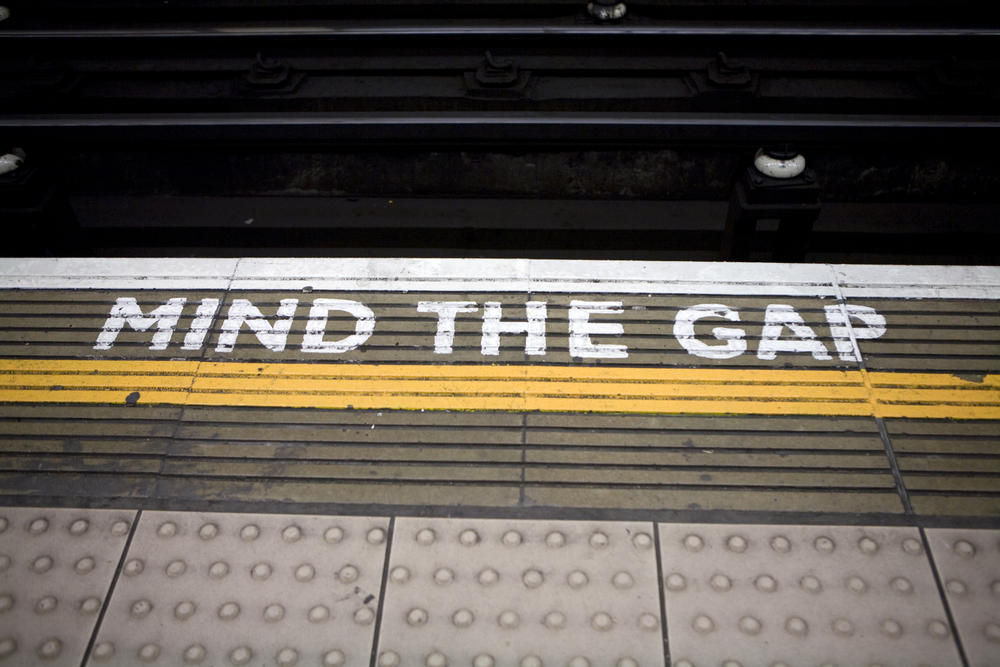 Sign reading Mind the Gap